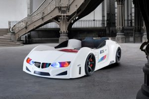 Mašina lova BMW M E-2 balta