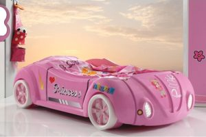 Mašina lova Barbie